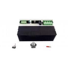 Kontrola moči: od 0 do 8000W enofazna
