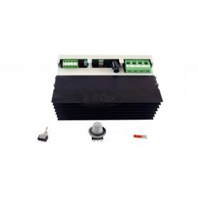 Kontrola moči: od 0 do 9000W trifazna
