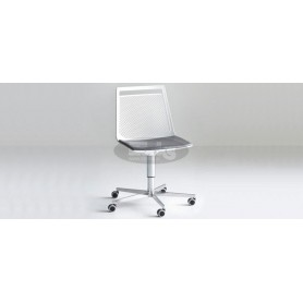 Actor 5R chair with cromed base with wheels