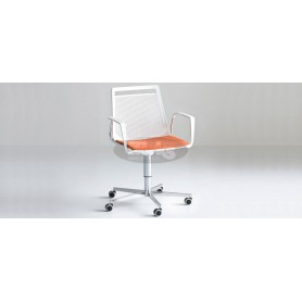 Actor 5R armchair with cromed base with wheels